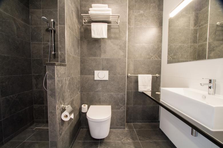 Badkamer Sanitair Tilburg : Badkamer sanitair 111bof. stunning beautiful certified quality
